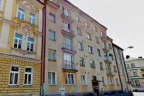 DŮM v Mánesově 23 v Chebu se má dočkat levnější rekonstrukce.