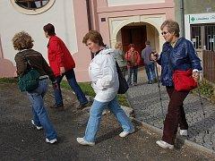 NĚKOLIK desítek turistů vyrazilo o víkendu ke Svatému Vojtěchovi.