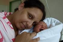 TOMÁŠEK PIVNIČKA se narodil v sobotu 30. srpna v 11.50 hodin, váží 3200 gramů a měří 50 centimetrů. Z Tomáška měla radost maminka Jarmila z Chebu.