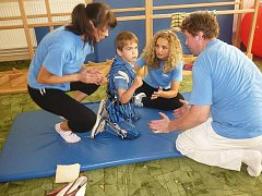 POBYT v rehabilitačním zařízení v zahraničí Jakubovi pomohl  k získání lepší stability.