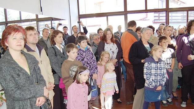 Oslavy 40. výročí Základní umělecké školy ve Františkových Lázních vygradovaly otevřením nového komorního koncertního sálu.