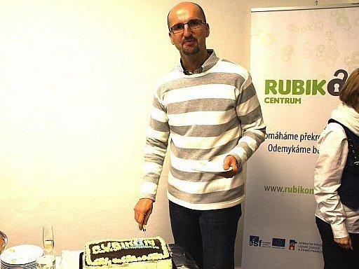 RUBIKON Centrum v České republice funguje už 23 let. Na  snímku je manažer pobočky v Chebu a Chodově Milan Roháč.