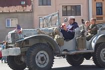 OSLAVY OSVOBOZENÍ. V rámci oslav 71. výročí osvobození přijel do Teplé a pak do dalších míst military convoy.