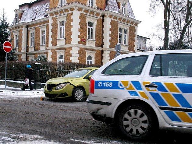 Nehoda u chebského divadla.