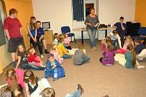 LOŇSKÁ NOC S ANDERSENEM se v chebském DDM vydařila. Děti si odnesly spoustu pěkných zážitků.