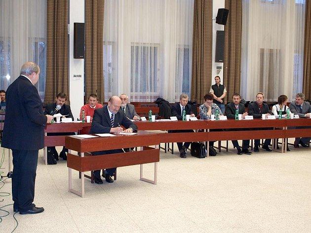 Cheb má nové čelní představitele města. Na ustavujícím zasedání zastupitelé schálili i třetího místostarostu. Na snímku druhý místostarosta Vladimír Hartmann.