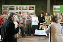 V kostele sv. Wolfganga v Ostrohu se odehrál koncert Josefa Štágra a Alexandry Benešové