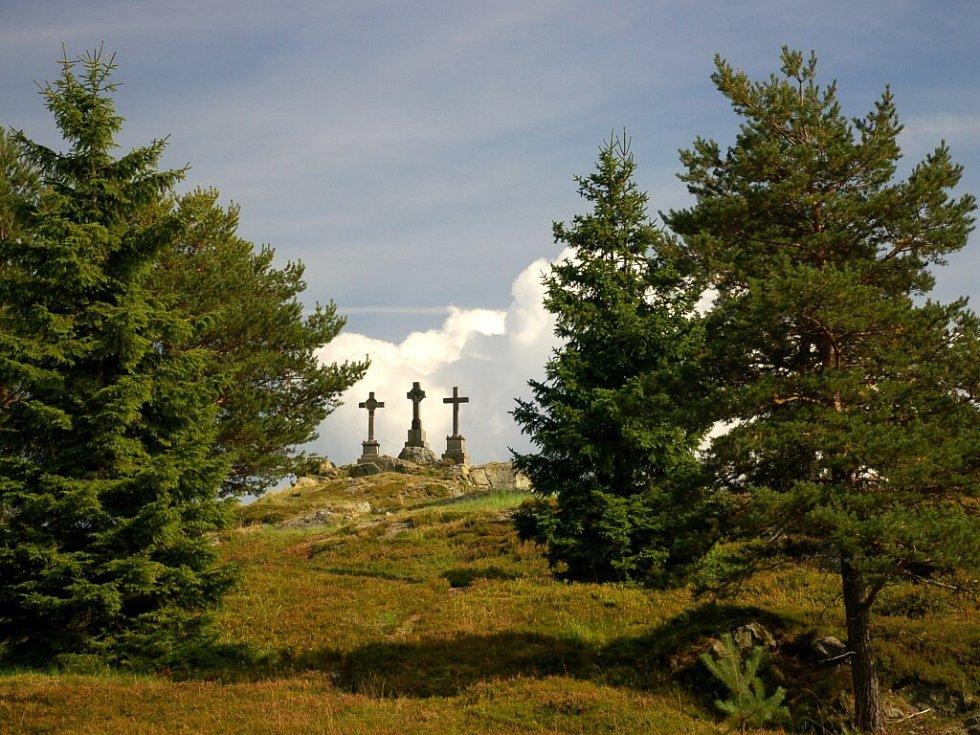 Národní přírodní památka Tři křížky ve Slavkovském lese