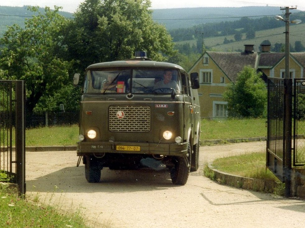 Příjezd Matýska ještě v původní zelené barvě do Dolního Žandova