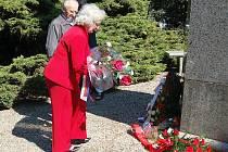 V pořadí již 66. výročí osvobození města Chebu se odehrálo u památníku 97. pěší divize americké armády, u pomníku ruské armády a k památníku 1. pěší divize USA.