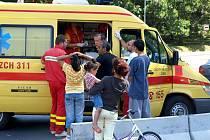 Dítě ošetřili lékaři. Žádná vážná zranění neutrpělo.