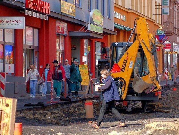 Stavební práce na chebské pěší zóně 10. a 13. března