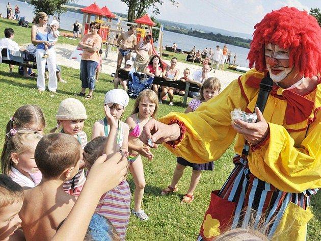 Na plovárně Dřenice u Jesenické přehrady na Chebsku se konal 7. července sportovní den pro děti i dospělé.