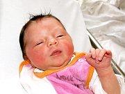 KATEŘINA MĚCHUROVÁ se narodila ve středu 9. prosince v 1.20 hodin. Na svět přišla s váhou 3240 gramů a mírou 49 centimetrů. Osmiletá Barunka, maminka Jitka a tatínek Ivan se z malé Kateřinky radují a už se nemohou dočkat, až budou všichni spolu doma v Aši