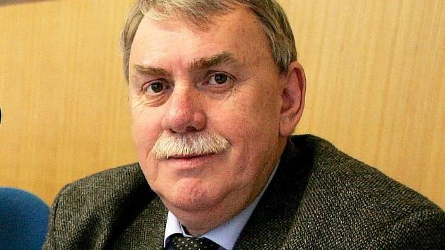 Vítězslav Padevět.