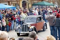 Františkovy Lázně vždy začátkem května patří nádherným historickým vozidlům.