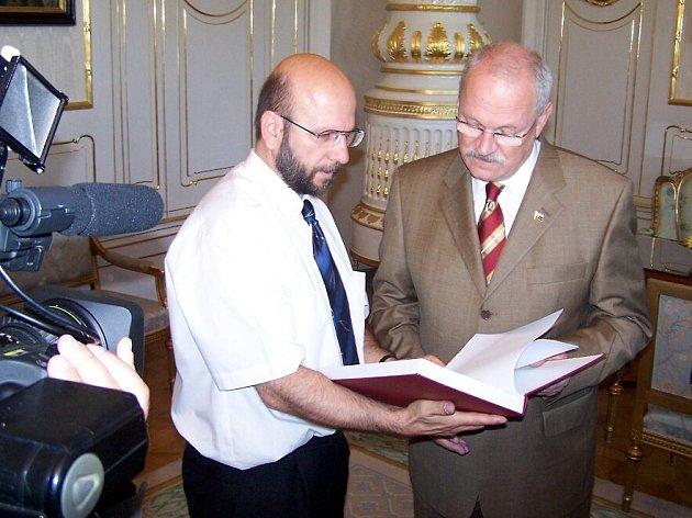 Učitel dějepisu chebského gymnázia Miloslav Stulák