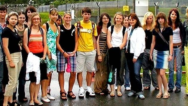 Pětadvacet studentů z Karlovaského kraje se zúčastnilo projektu Česko-bavorský výměnný školní rok.