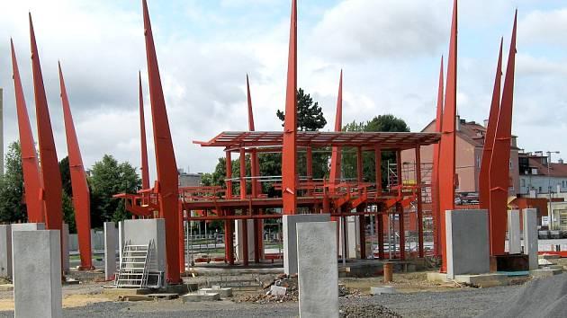 Rekonstrukce dopravního terminálu na chebském autobusovém nádraží má být hotova do konce roku 2012.