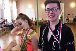 Taneční pár Viktorie Zetková a Lukáš Urbánek.
