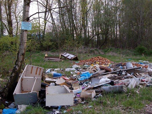Černé skládky a odpadky na Chebsku