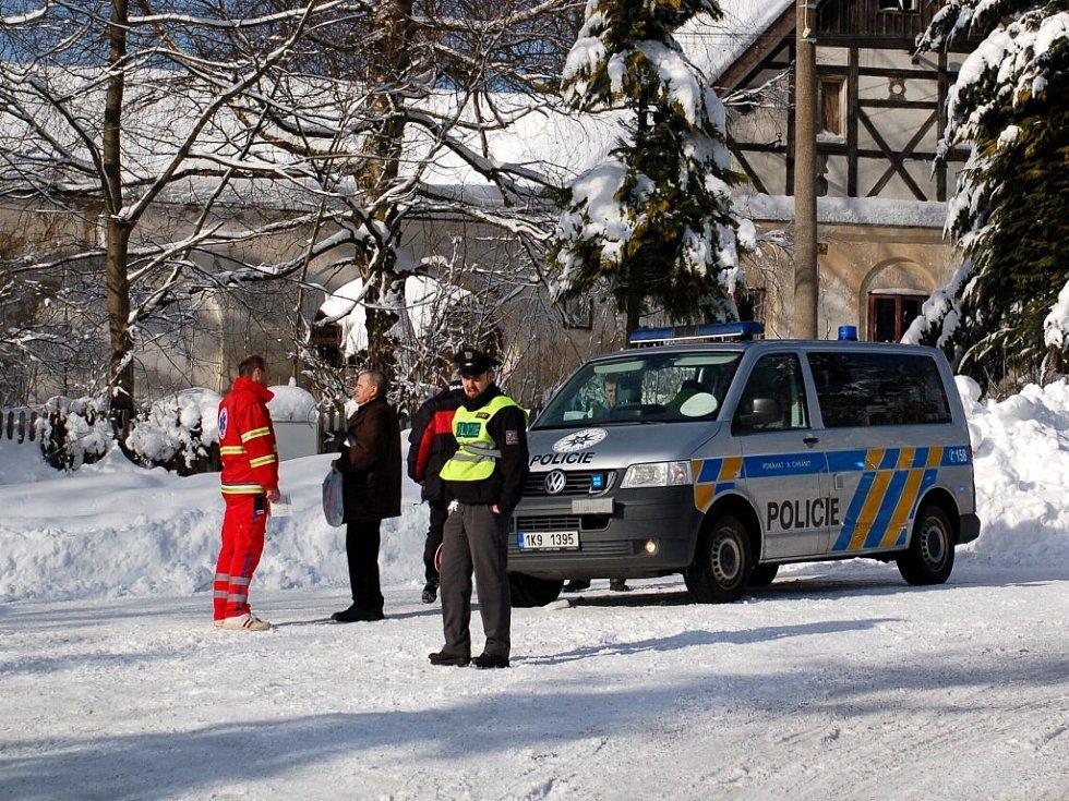 Pod koly autobusu zemřela ve středu 25. února dopoledne chodkyně v Zádubu - Závišíně na Mariánskolázeňsku