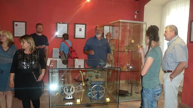 Zajímavá výstava je nyní k vidění v Muzeu Cheb. Návštěvníci si zde mohou prohlédnout váhy a měřidla ze sbírky Jana Mynáře.