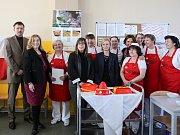 Ochutnat cizí tradiční jídla mohli žáci Základní školy ve Františkových Lázních. Konal se tu totiž takzvaný Španělský produktový den.