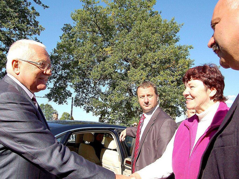 Prezident navštívil na své cestě také Teplou.