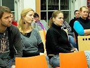 LIDÉ, KTEŘÍ SE ZAPOJILI do projektu Day off, získali veškeré informace v chebské knihovně.