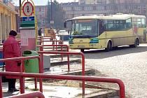 SOUČASNÝ STAV chebského autobusového nádraží vypadá podle mnohých hrozně.