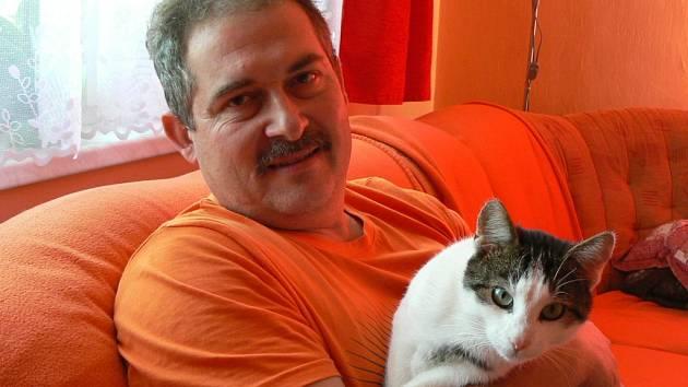 V dalším díle anketní soutěže ´O nejkrásnějšího domácího mazlíčka´, která se i nadále odehrává na webu Chebského deníku, vyhrál dvouletý kocourek Matýsek.