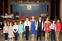 MLADÍ TANEČNÍCI se představili v Teplé. Podle tanečního mistra Vladimíra Hány se má Teplá čím chlubit.