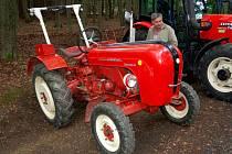 Výstava historických traktorů je už tradiční součástí Hraničních slavností v Lubech