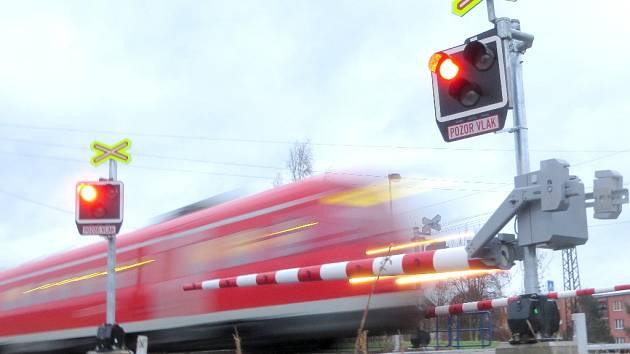 Modernizace železniční trati z Chebu na hranice s Německem za 528,6 milionu korun je dokončena.