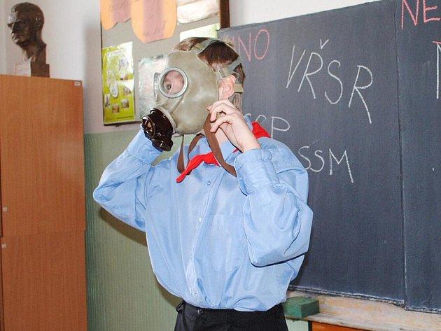 Hlávkova škola v Aši se vydala na cestu zpět časem.