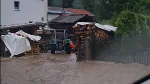 Takhle řádila voda po přívalovém dešti na Chebsku.