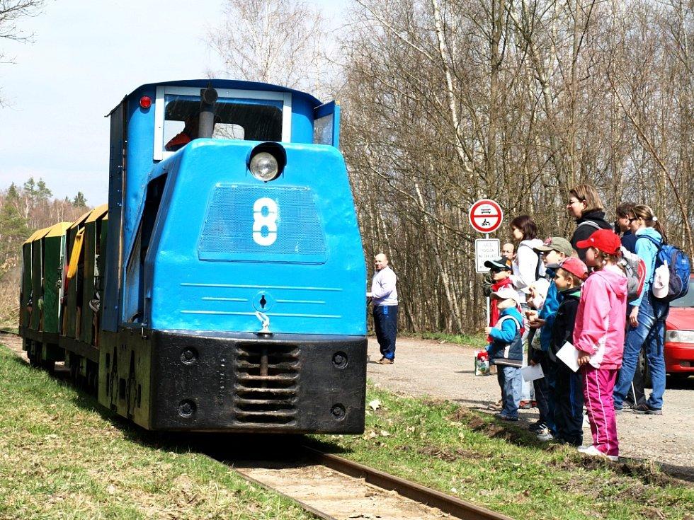 ÚZKOROZCHODNÁ DRÁHA byla o víkendu v Novém Drahově atraktivním cílem.