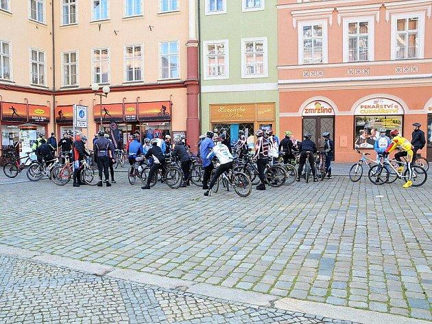 Cyklisté uzamkli sezónu