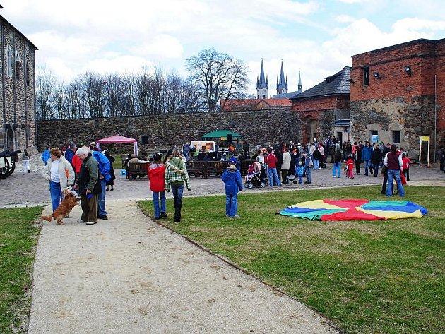 Na Chebském hradě se uskutečnil již sedmý ročník křesťanské akce Hod beránka