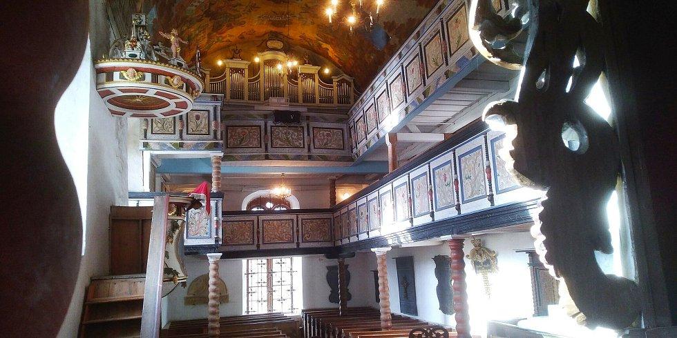 Evangelický kostel Dobrého pastýře je jediným kostelem v obci Podhradí, v okrese Cheb. Jedná se o barokní stavbu, která vznikla dostavbou, a následnou přestavbou původního menšího kostela.