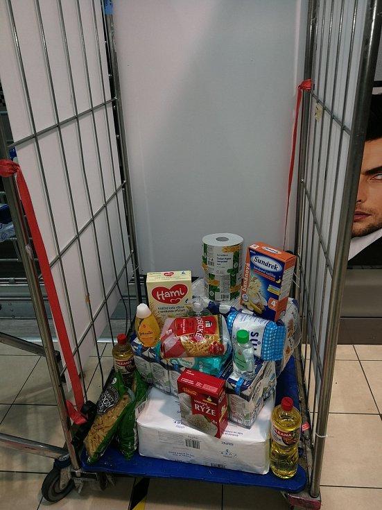 Potravinová sbírka v Aši.