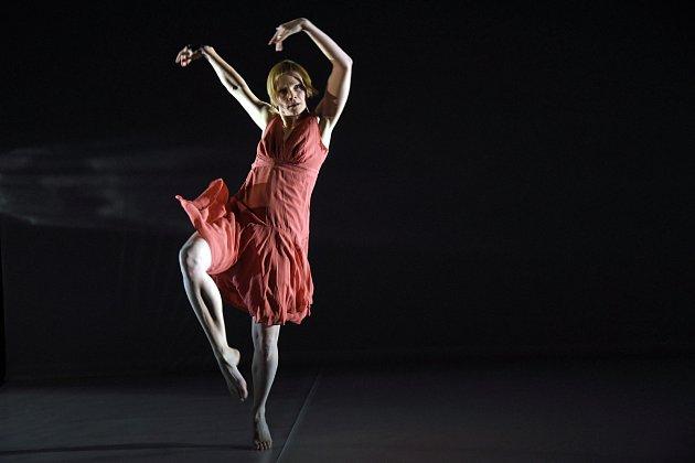 FLASHED BY hrála a tančila Lea Švejdová.