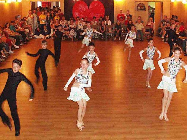Chebská taneční formace Latino Mix
