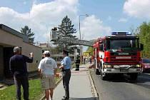 Zásah chebských hasičů na sídlišti Zlatý Vrch