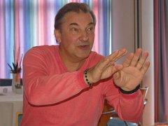 Bývalý sovětský brankář Vladislav Treťjak.