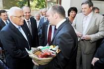 Prezident Václav Klaus mohl ochutnat v Českých Budějovících Žandovský chléb.