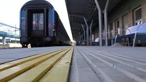 Couvání vlaku kvůli poruše návěstidla v Poříčanech