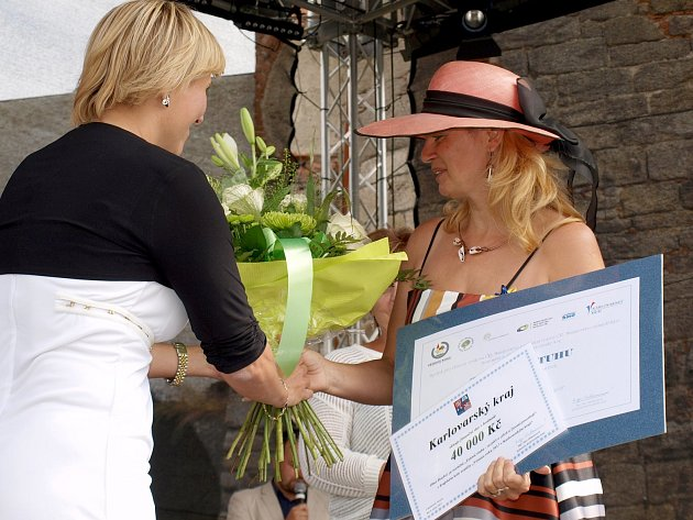 Skalná – Krajské kolo soutěže Vesnice roku už zná své výsledky. Loňský ročník vyhrála Skalná na Chebsku, rozdány byly i ceny například za společenský život v obci nebo péči o zeleň.