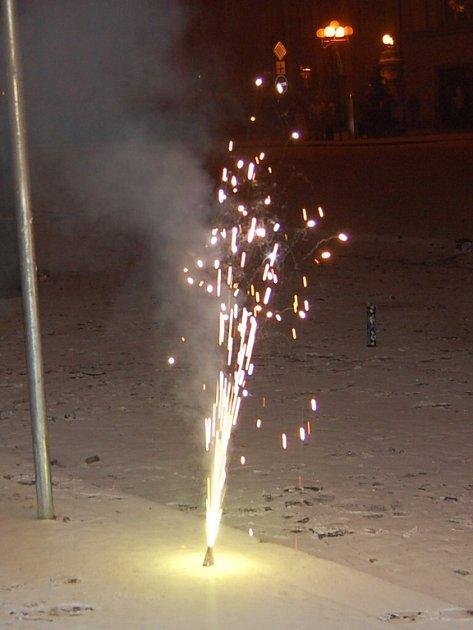Pyrotechnické efekty lákaly malé i velké